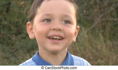 petit garçon, 2, sourire