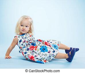petit, girl, bien-habillé