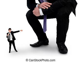 petit homme, combat, business, patron