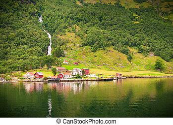 petit, naeroyfjord, norvège, village