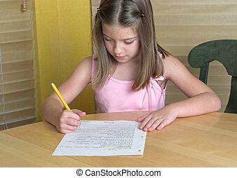 petite fille, devoirs