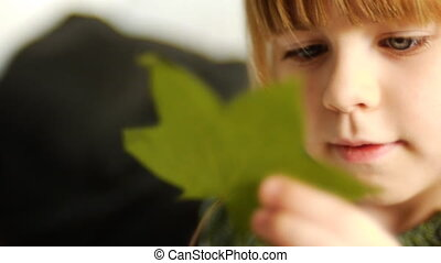 petite fille, herbarium