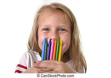 petite fille, tenue, école, art, crayons, ensemble, multicolore, enfants, concept, beau, education