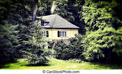 petite maison, caché