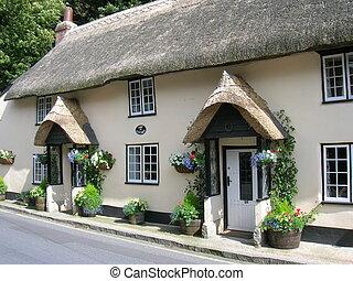 petite maison, couvert chaume