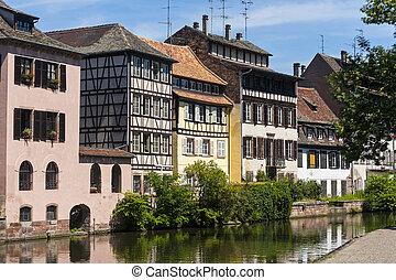 petite,  -,  Strasbourg, França