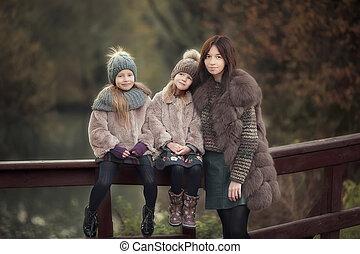 petites filles, dehors, parc, automne, mère, adorable