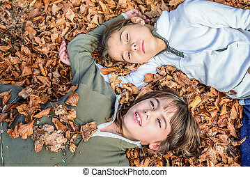 petites filles, montenegro, feuilles, biogradska, parc, lit, pose, automne, national, gora