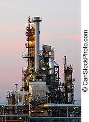 petrolio benzina, industria, -, raffineria, a, crepuscolo, -, fabbrica, -, pianta petrolchimica