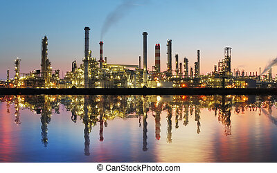 petrolio benzina, raffineria, a, crepuscolo, con,...