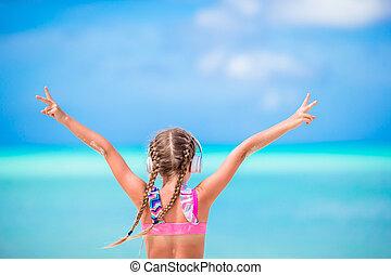 peu, adorable, girl, plage