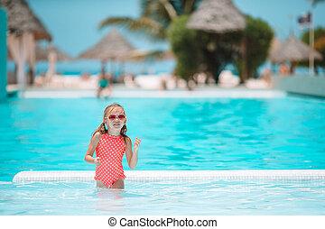 peu, adorable, piscine, extérieur, girl