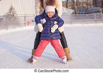 peu, apprentissage, elle, patin, maman, girl, adorable
