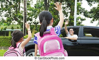 peu, bon, père, filles, école, dire, devant, revoir