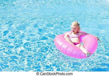 peu, caoutchouc, girl, anneau, piscine, natation