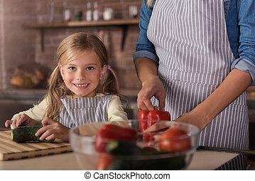 peu, découpage, concombre, joyeux,  girl, cuisine