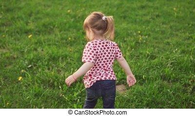 peu, danse, parc, insouciant, girl, herbe