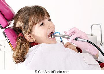 peu, dentiste, bouche, forage, pendant, girl, ouvert, traitement