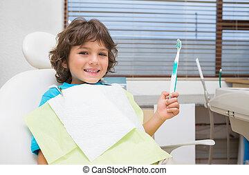 peu, dentistes, tenue, chaise, garçon, toothrbrush