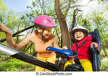 peu, elle, siège, vélo, mère, girl, heureux