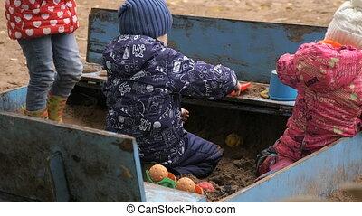 peu, enfants, sandbox, sable, jouer