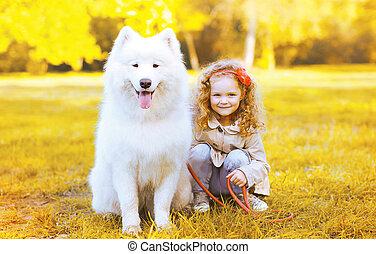 peu, ensoleillé, chien, avoir, automne, amusement, girl, jour, heureux