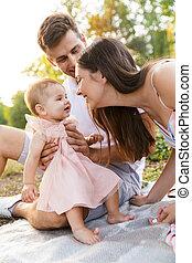 peu, famille, dépenser, jeune, temps, dorlotez fille, heureux