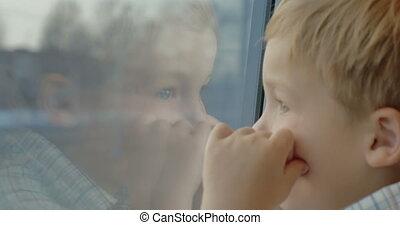 peu, fenêtre, train, enfant, apprécier, vue