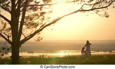 peu, fille, couronne, arbre, jeune, grand, coucher soleil,...
