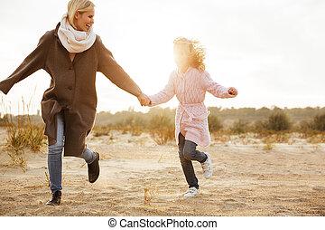 peu, fille, elle, mère, amusement, avoir, heureux