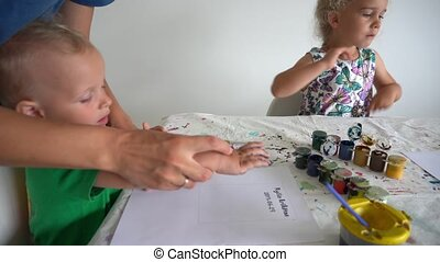 peu, fils, faire, paume, regarder, impression, papier, mère, gouache, fille