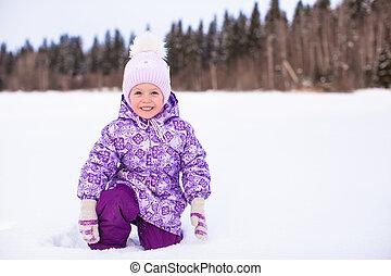 peu, hiver, ensoleillé, neige, jour, amusement, girl, adorable, avoir, heureux