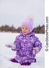 peu, hiver, ensoleillé, neige, jour, amusement, girl, avoir, heureux