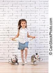 peu, jouet, girl, chien marche
