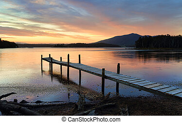 peu, lac, jetée, coucher soleil, wallaga, bois construction