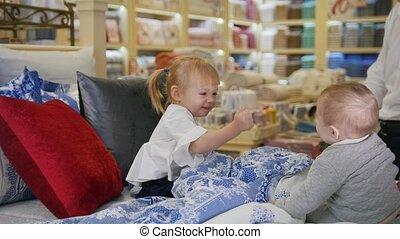peu, lit bébés, jouer