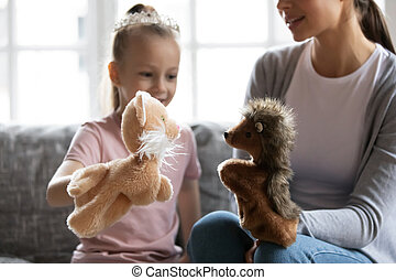 peu, maman, jouer, jouets, aimer, fille, mignon