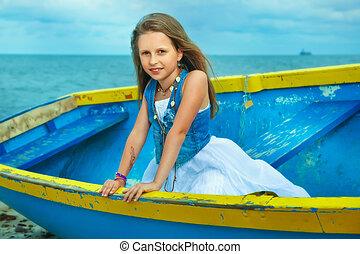 peu, mignon, girl, dans, a, bateau, plage, vacances, day.