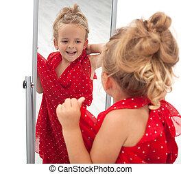 peu, miroir, devant, girl, essayer, robe