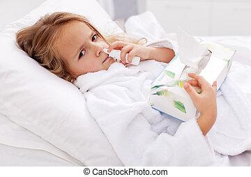 peu, nasale, -, pulvérisation, papier, mauvais, serviettes, utilisation, froid, girl