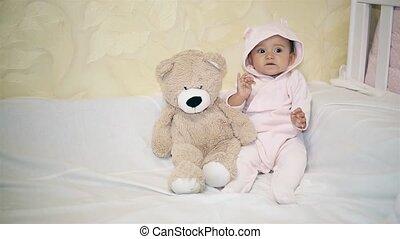peu, ours peluche, suivant, déguisement, bébé, jouer