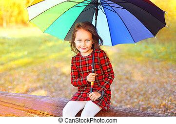 peu, parapluie, bûche, coloré, séance, automne, enfant, portrait, girl, jour, heureux