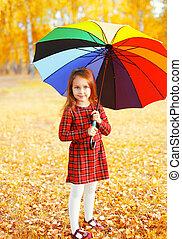 peu, parapluie, coloré, automne, enfant, girl, jour, heureux