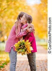 peu, parc, filles, automne, chaud, dehors, adorable, jour