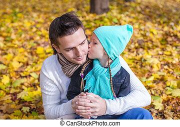 peu, parc, père, automne, dehors, baisers, girl, heureux