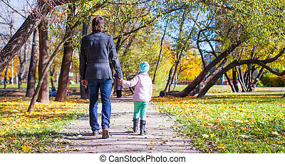 peu, parc, père, marche, jeune, automne, girl