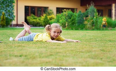 peu, pieds nue, jardin, elle, maison, badminton, portrait, girl, jouer, heureux