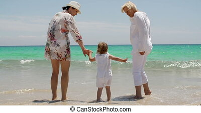 peu, plage, girl, jouer, grandmom, maman