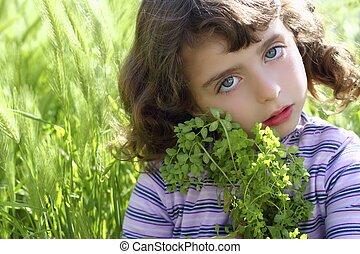 peu, pointes, pré, plante, étreinte, vert, girl