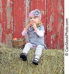peu, pomme mangeant, girl